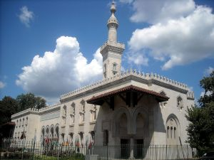 800px-Islamic_Center_of_Washington_-_2551_Massachusetts_Avenue_NW