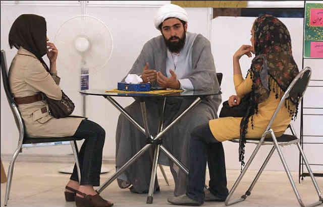 Mullah-hitting-on-girls-Iran-Tehran-2012